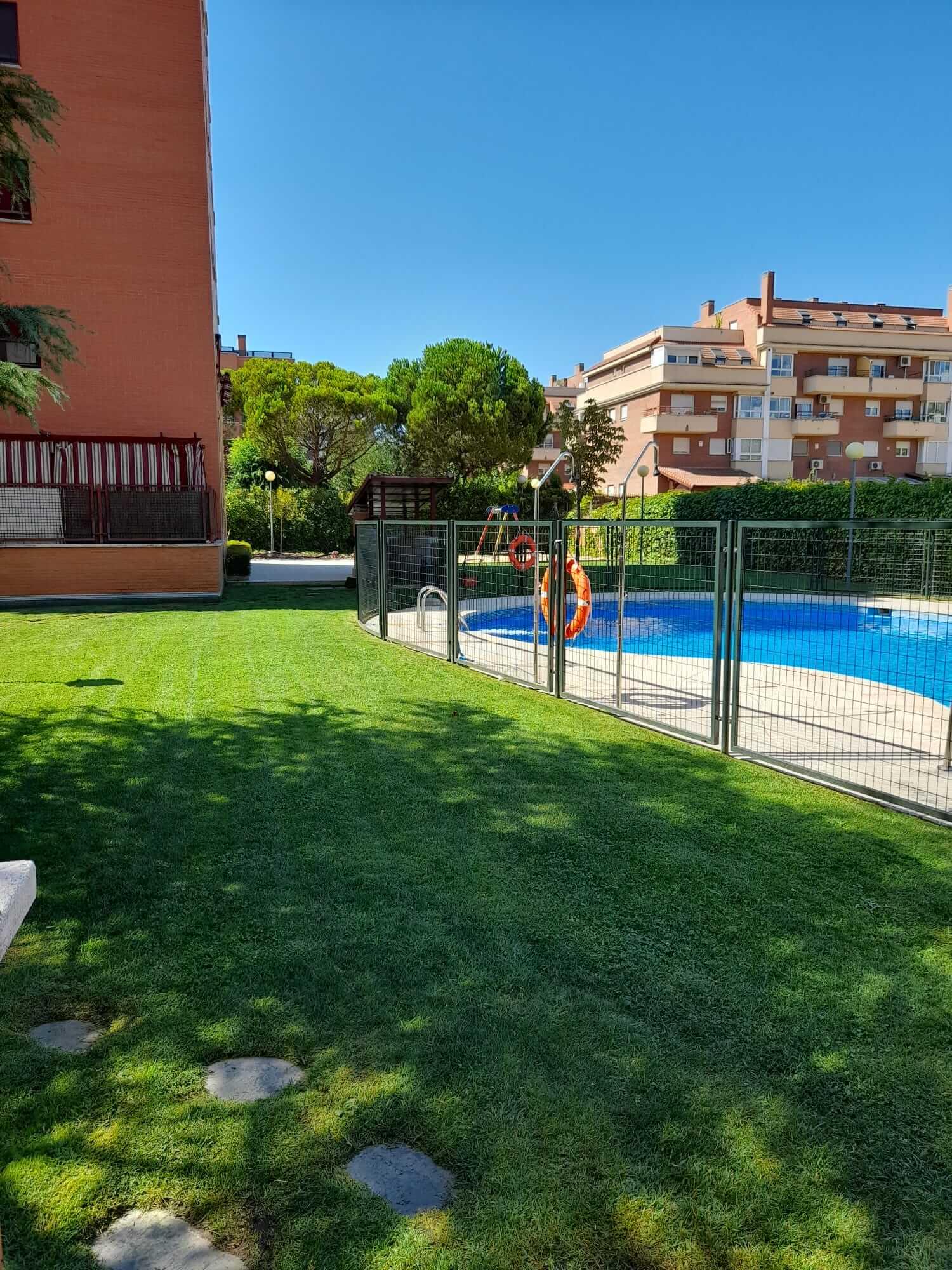 jardinero-mantenimiento-urbanización-madrid